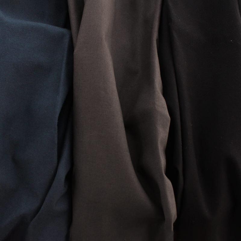 スチールブルー/グレー/ブラック