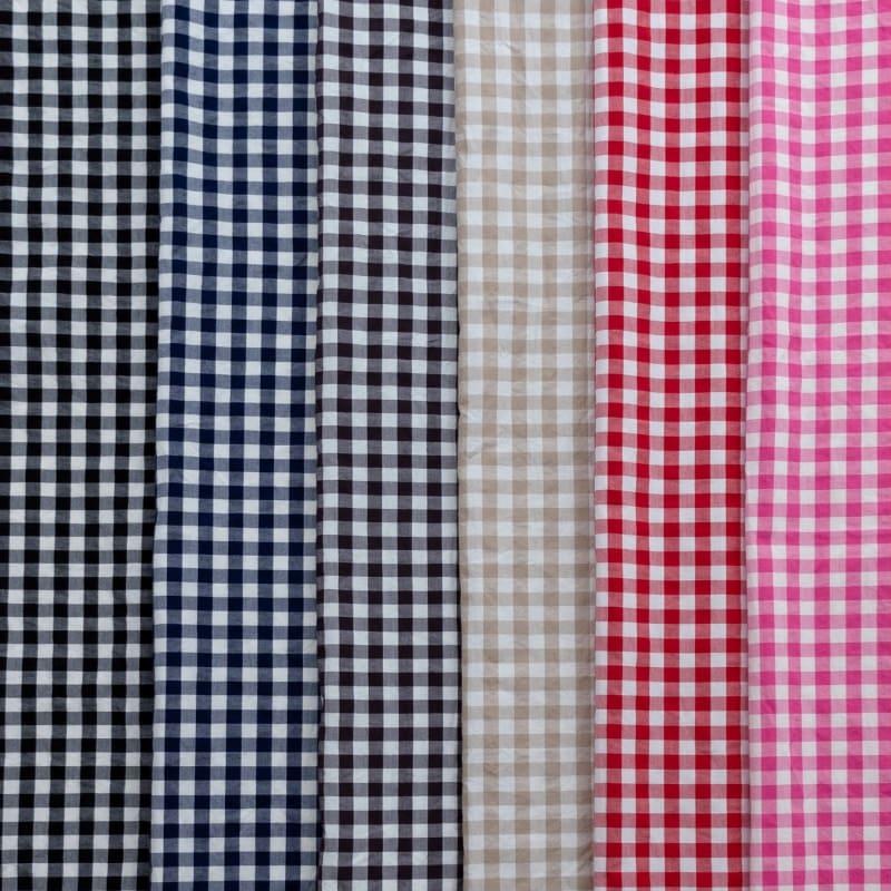 左からブラック/ネイビー/ブラウン/ベージュ/レッド/ピンク